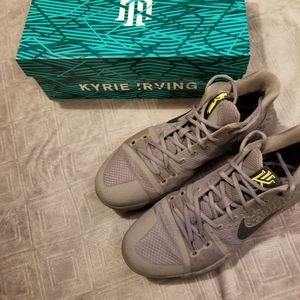 Kyrie 3 cool grey